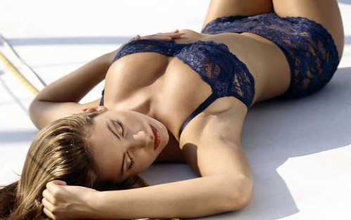 British model and actress Kelly Brook bikini photo