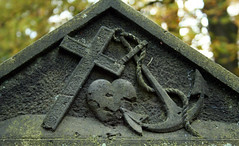 believe. love. hope. (d.loop) Tags: friedhof love cemetery grave germany hope europe tombstone hamburg kreuz believe grab grabstein herz liebe ohlsdorf anker hoffnung glaube platinumheartaward