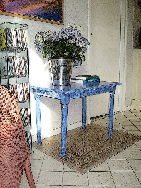 Trapdoor table