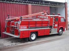 A la entrada del cuartel (Upper Uhs) Tags: argentina fires feuerwehr bomberos brandweer pompiers bombeiros straz itfaiye sapeurspompiers entrerÍos concepciÓndeluruguay