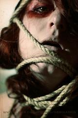 Atrapada (Nebulaskin) Tags: chile portrait woman me face del self canon 50mm mar rojo via cara makeup rope lips chilena xti