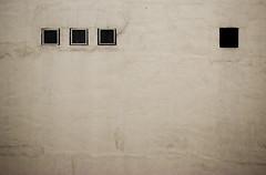 Afirmacin del Yo (IMG_7886b) (Nacho P0P) Tags: muro pared pop bichos ars amandi nacho rhizome encerrados arrugas agujeros nachopop cogitoergosum egocntrico muraco cuadriculado aplusphoto ventanassuspensivasypunto militodiegoogaby jugandoconelpatiodemiabuela estristepedir peropeoresmatar hoynotengoganas detagsseriotes encuadrados msomenoslibre pieldecasa enalgunapartedemadrid nomilitoenningungrupo militonoesunjugador sabenmorselasmorsas sgaeong