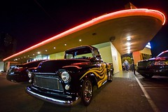 Burbank Nights (Thomas Hawk) Tags: california city usa cars night truck restaurant losangeles neon unitedstates 10 unitedstatesofamerica fav20 burbank southerncalifornia fav30 bigboy bobs bobsbigboy fav10 fav25 superfave