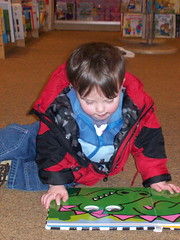 372 - Taking in a good book at Barnes and Noble (momtodex2) Tags: books dex dex365 feb365
