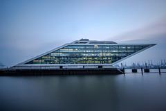 Dockland Hamburg (fotoerdmann) Tags: modern gebäude architektur outdoor langzeitbelichtung 700d canon thorstenerdmann 2017 fotoerdmann deutschland germany altona hamburg dockland haditeherani schifffahrt