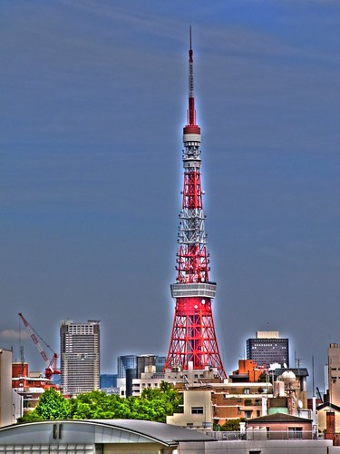 Tokyo Tower Zoom In