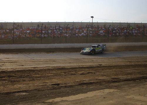 TK running his Late Model stock car on the dirt track at Eldora