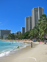 Waikiki Beach (tubblesnap) Tags: blue sea beach hawaii surf pacific waikiki oahu