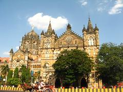 A Glimpse of Bombay (An eye on my world!) Tags: station bombay mumbai vt victoriaterminus cst masterclass britisharchitecture chhatrapatishivajiterminus interestingness245 i500 canonpowershota550