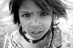 Little girl  Mandu (Jules1405) Tags: world travel portrait people blackandwhite india white black girl face kids children asian julien kid asia child little indian asie inde pradesh mandu madhya reflectionsoflife lovelyphotos jules1405 50millionmissing unseenasia mailler asiatiquestravel