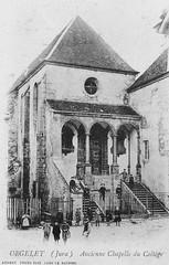 Façade de la chapelle du couvent des Bernardines à Orgelet (Jura)