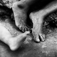 Huicholes - Pochotitan 3 feet (mexadrian) Tags: feet mediumformat mexico noiretblanc trix nayarit hasselblad mexican pies huichol huicholes bwdreams pochotitan adrianmealand