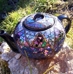 Teapot (stiglice - Judit) Tags: light catchycolors mosaic reflexion mosaique mozaiek mozaik