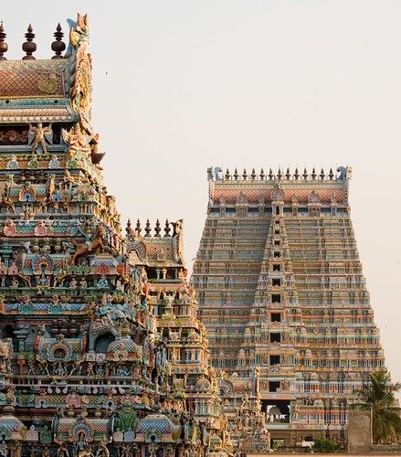 How to behave yourself inside a Hindu Temple - The Holy Place
