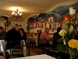 Hotel-El-Meson-de-las-Flores-Mural