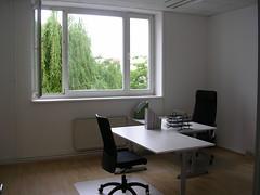 Fenster gen drauen (ehstos) Tags: berlin bro bersetzungen imasol