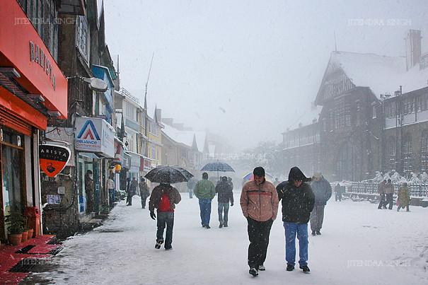 Snowfall @ Mall Road, Shimla, Himachal Pradesh, India. Mall Road in Shimla,