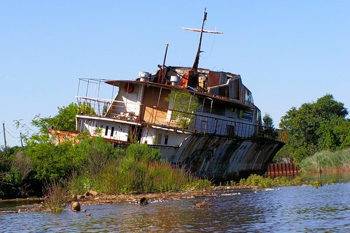 Luxury Yacht Ship Wreck, Raritan River, New Jersey