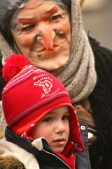 IMG_9633m (matteo_dudek) Tags: boy portrait italy rome roma hat italia mask witch piazzanavona ritratto cappello maschera strega bambino photofaceoffwinner photofaceoffsilver pfosilver