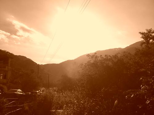 Eary morning Sun as seen from Fei Feng Mountain