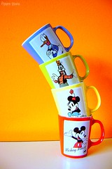 Cups Tower! (Honey Pie!) Tags: cup disney mickey donald minnie canecas poulain pateta betterthangood cybershotdscs650