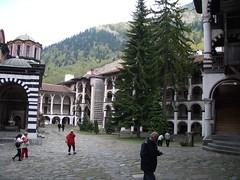 Rilski Manastir - cortile (nicksoft) Tags: vacation bulgaria rila vacanze