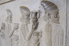 procession 2, Persepolis (luca.m.) Tags: macro iran persia archeology persepolis basrelief ach zagros achemenide archologie