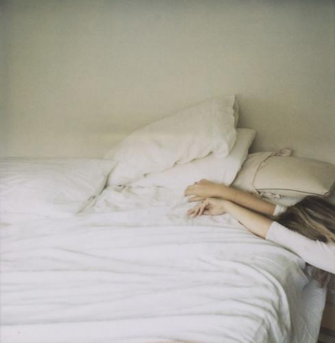 shewascompletelyexhausted por danske.
