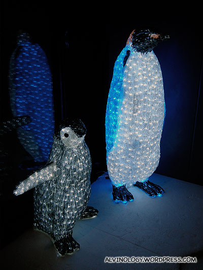 Penguin decors