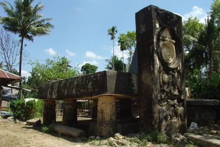 tomb2, Galubakal