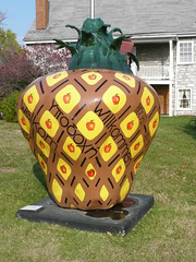 A PineApple welcomes visitors to Winchester, VA, the Apple Capital
