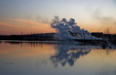 Laugarvatn (Hrnn Thorarensen (NinnaK)) Tags: winter sunset lake island iceland steam hotspring kalt vetur hver laugarvatn supershot slsetur abigfave betterthangood laugavatn