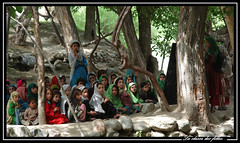 La classe des filles (Laurent.Rappa) Tags: voyage travel school portrait people afghanistan girl face children child retrato scene afghan schoolgirl laurentr enfant ritratti ritratto ecole vie regard peuple peulpe laurentrappa