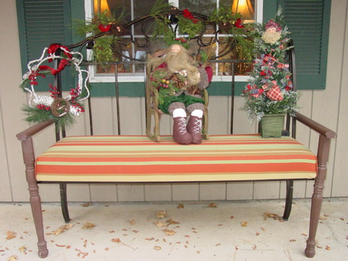 Christmas Bench - Trash to Treasure