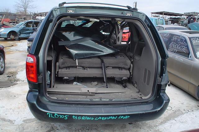2001 grand dodge caravan 7l0705