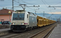253 (firedmanager) Tags: renfe railtransport ferrocarril freighttrain 253 bombardier bombardiertraxx bombardiertransportation locomotora locomotive tren train trena