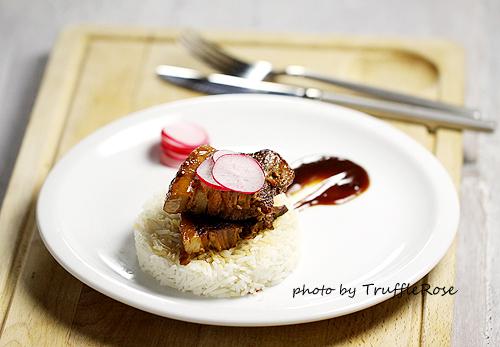 非常假掰的滷肉飯-110608