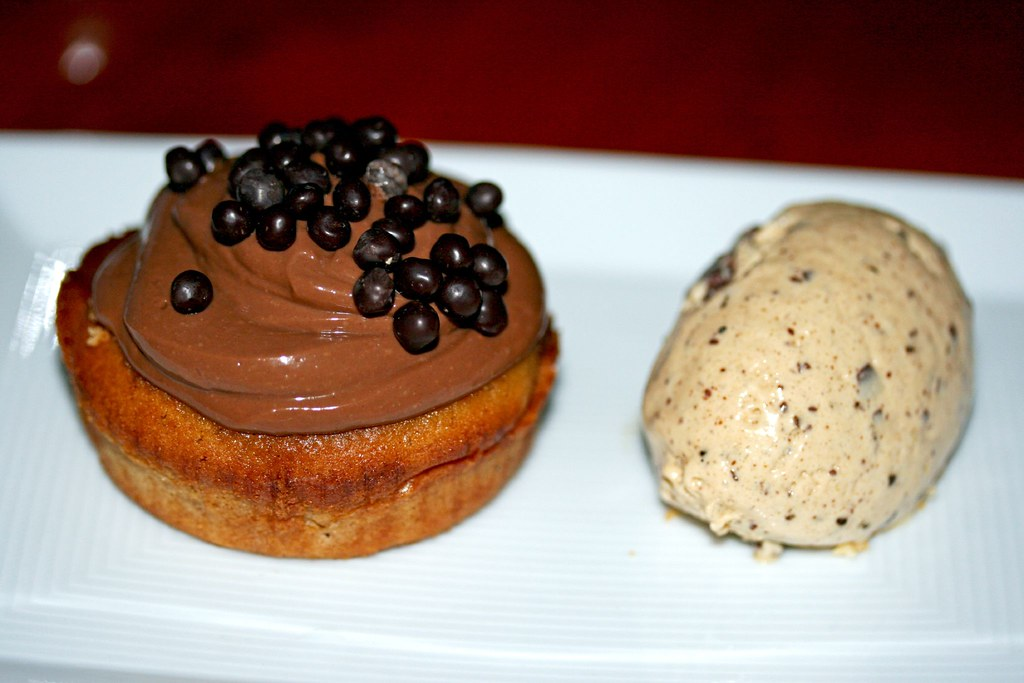 Hazelnut chocolate caviar cupcake with Chocolate chip ice cream