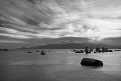 Pedra das Bruxas (Alessandro Gruetzmacher) Tags: azul brasil cores mar natureza nuvens santacatarina ceu pedras florianpolis