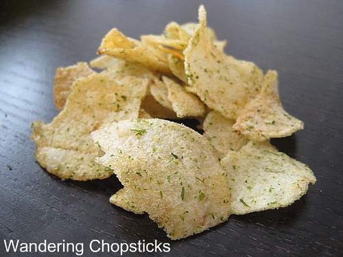 Calbee Seaweed and Salt Potato Chips 1