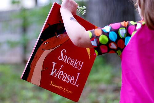 v Sneaky Weasel 087