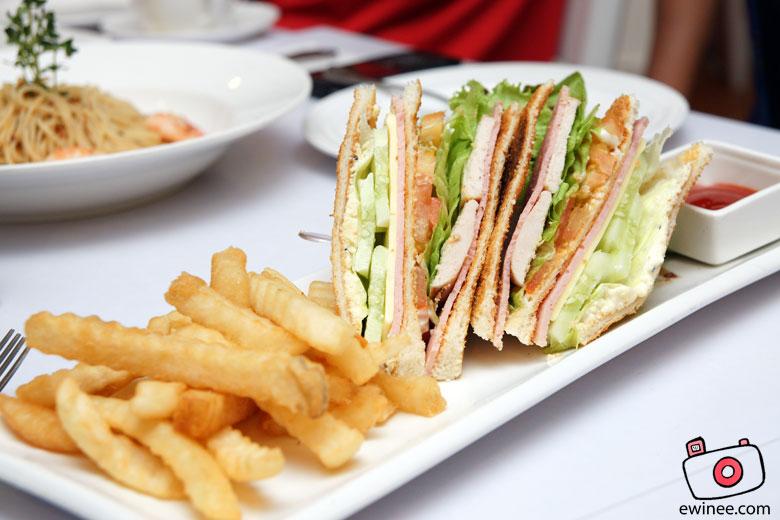 FullHouse-FullHouse-Sunway-Club-sandwich