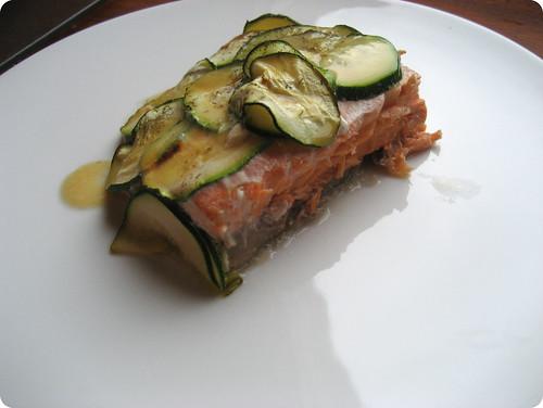 Foto del salmón con calabacín