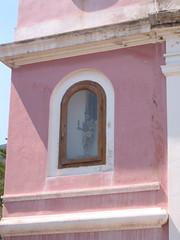La mura rose (stevewunder) Tags: door window italia sud stromboli southernitaly aeoleanislands