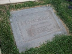 Our original photo of the Telly Savalas grave. (09/03/2006)