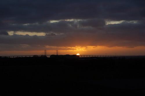 オーレンス大橋と夕日
