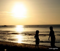 Brother and Sister (tiryang008) Tags: sunrise bohol panglao beachsunrisepanglaobohol