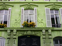 82 RUE VARENNE (PARIS) (RUA DOS ANJOS PRETOS) Tags: paris rue smrgsbord varenne colourartaward colorfullaward colorsinourworld