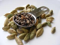 Cardemom Pods & Seeds