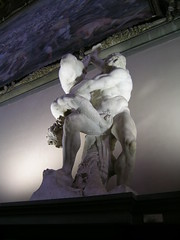 Uffizi (Gianluca Bergamaschi) Tags: florence firenze uffizi statua